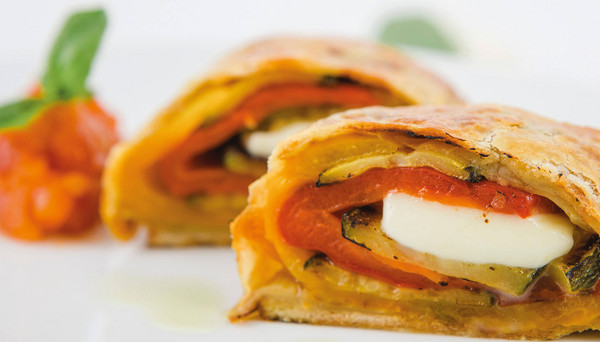 Vegetable strudel with mozzarella